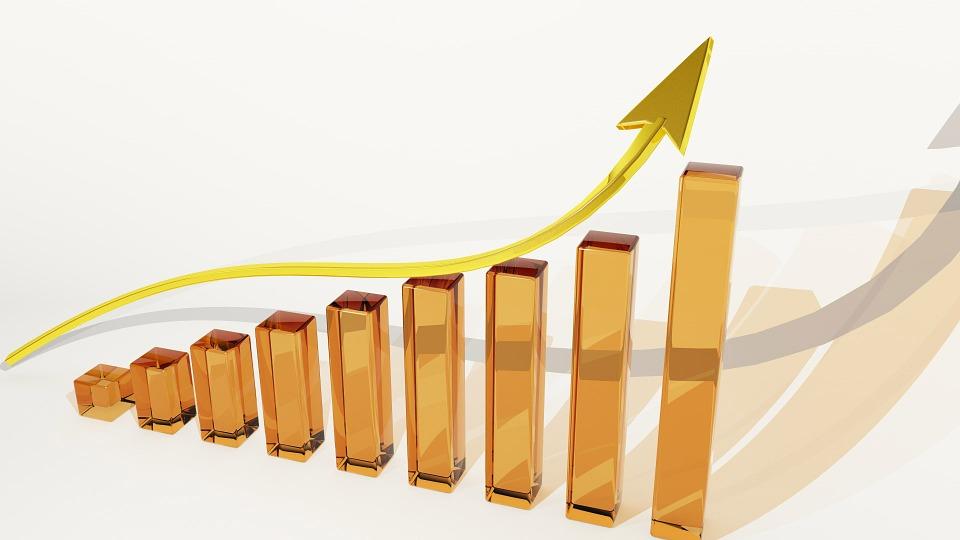 pictogramme qui montre une flèche qui monte, tel un investissement immobilier